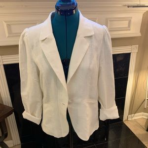 Cream colored linen blazer with pockets